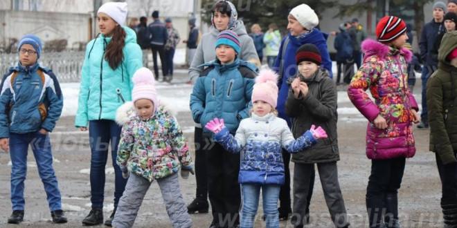 Фоторепортаж. Массовый забег на площади Трудовой Славы. Поспелиха. 7 апреля 2018 года