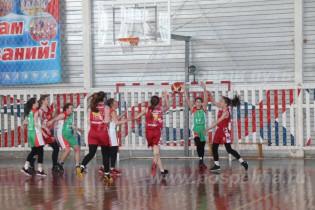 Поспелихинские спортсменки завоевали «бронзу» в соревнованиях по баскетболу