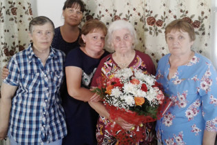 Жительница села Красноярское Нина Андреевна Ульянова отметила свой 90-летний юбилей