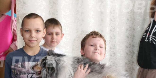 Фотоальбом «Визит фонда «Выбор» в Поспелихинский центр помощи детям»