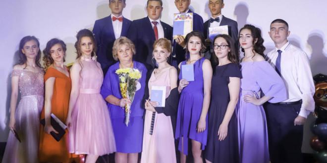 Фотоальбом: Выпускники 11 классов Поспелихинского района в 2021 году